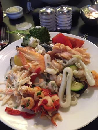The Glasshouse @ The Grove: Selection from the seafood section for a starter! Yum!