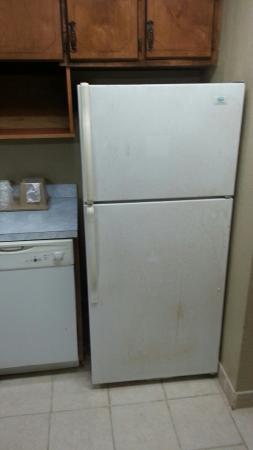 Super 8 Meridian : Filthy Kitchen