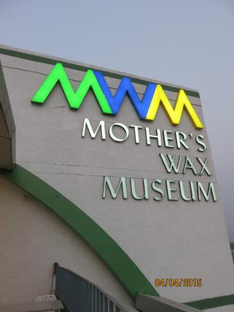 ‪Mother's Wax Museum‬