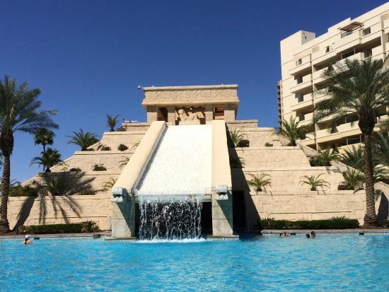 Pool Pyramid Picture Of Cancun Resort Las Vegas Tripadvisor