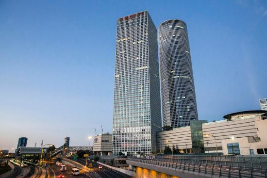 Crowne Plaza Tel Aviv City Center: Day view