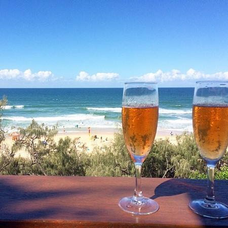 Surf Club Restaurant : please add to my review of Sunshine Beach Surf Club