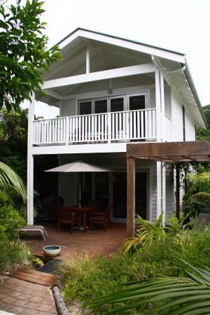 Howeana Apartments: Unit 1 deck and balcony.
