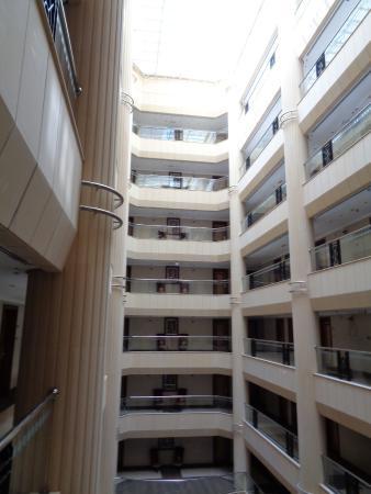 Belvedere Court Hotel Apartments: Intérieur de l'hôtel