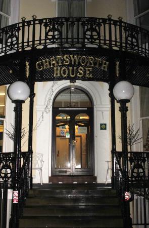 Chatsworth House Hotel : Main Entrance at night