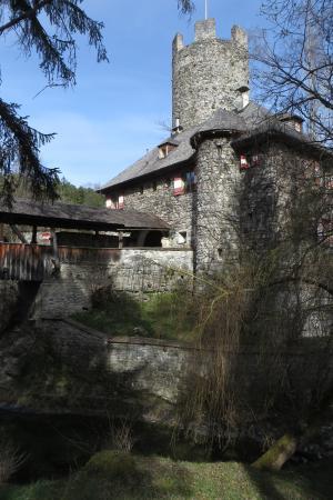 Familien-Landhotel Stern: Umgebung/ kurze Wanderung: Burg Klamm