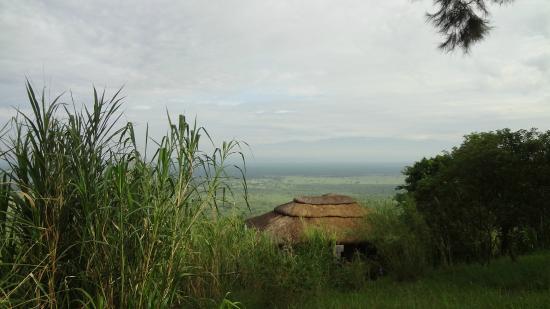 Twin Lakes Safari Lodge: Blick zum Rwenzori mit Banda