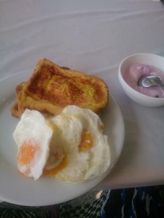 Youth Hostel and Guest House: Breakfast