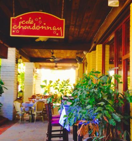 Cafe Chardonnay Entrance
