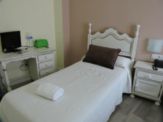 Hotel Gonzalez: CAMA SENCILLA