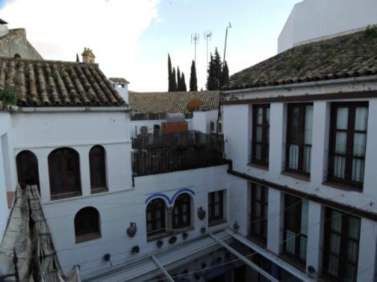 Hotel Gonzalez: PATIO INTERIOR