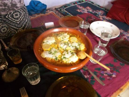 Le Gout Du Sahara Hostel : Almuerzo en Hostel, exquisito