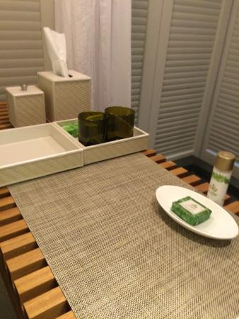 Andaz Maui At Wailea: Hotel toiletries