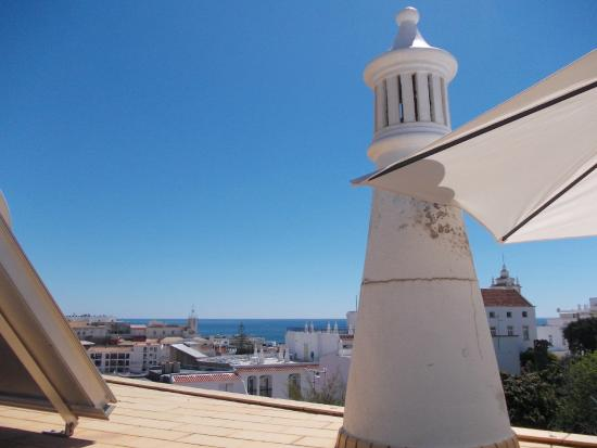 Colina do Mar Hotel: View from the pool terrace