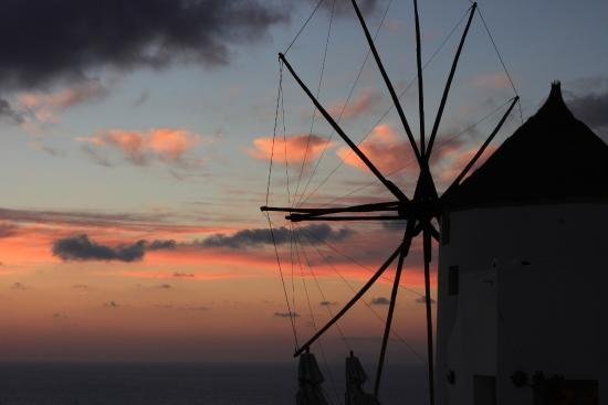 Sunset in Oia: Milling, Oia, Santorini, Greece
