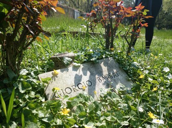 Cimitero Ebraico di Ferrara