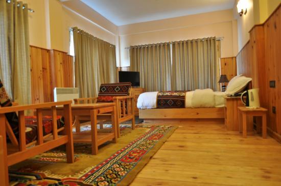 Base Camp Hotel