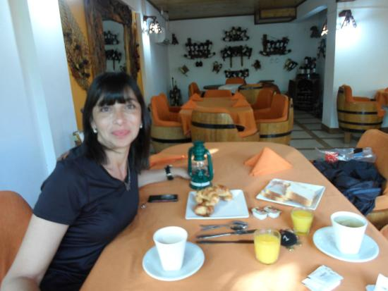 Petit Hotel Si Mi Capitan: desayunos completisimos