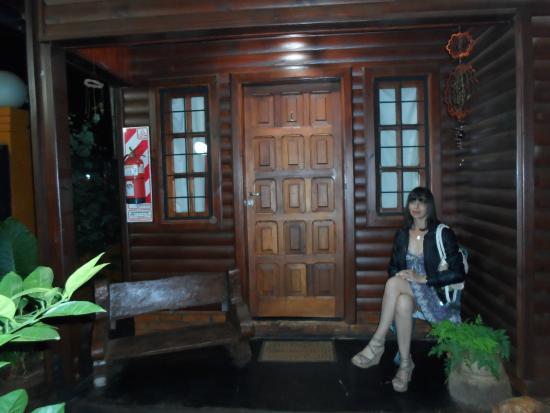 Petit Hotel Si Mi Capitan: entrada de la cabaña