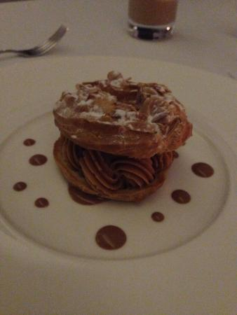 Emilie French Restaurant : Dessert that my wive choose