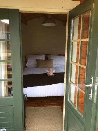 Giltraps Townhouse & Glamping: Beautifully Designed, Clean Glamping Cabin