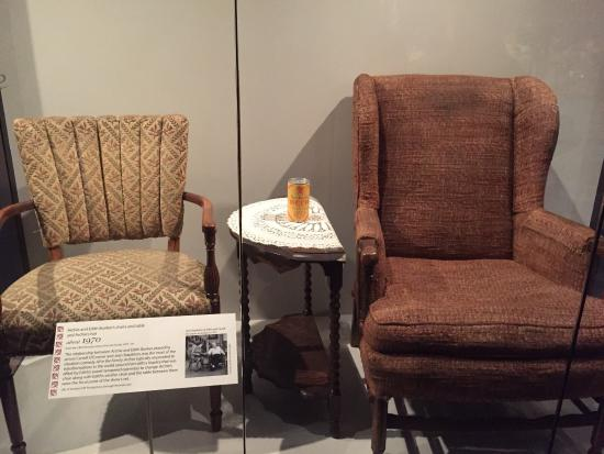edith and archie bunkers chairs ワシントン dc スミソニアン博物館