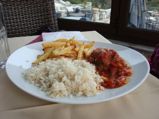 Meteoron Panorama : Meatballs in tomato sauce