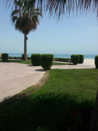 فندق ومنتجع الرمال