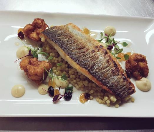 Owens Restaurant & Bar: Seabass Special
