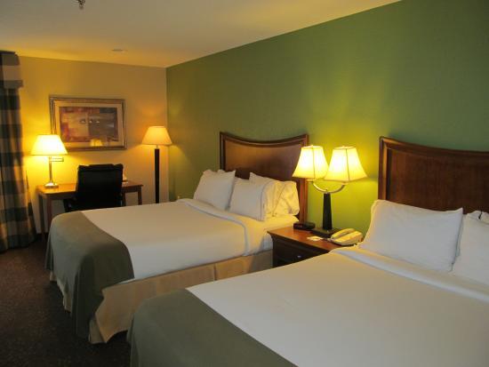 Holiday Inn Express Warrensburg: Standard room