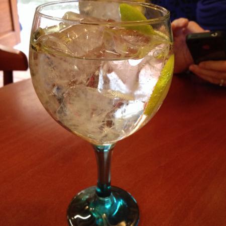 Najera, Hiszpania: GIN - TONIC