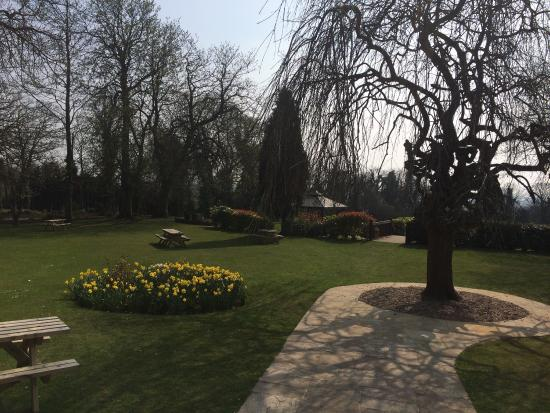 King's Croft Hotel: Beautiful grounds