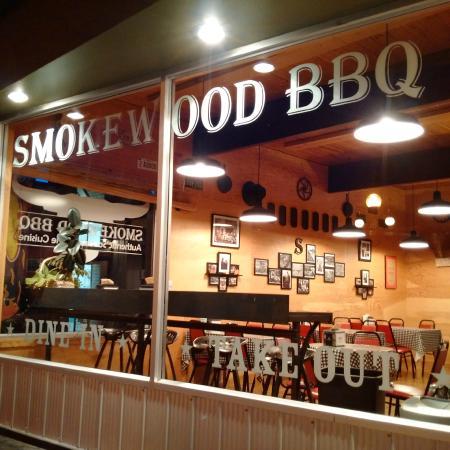 Smokewood BBQ : Front window