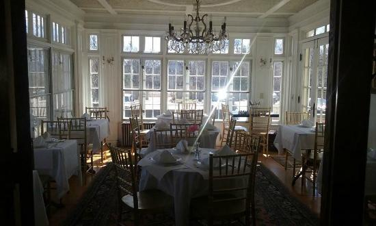 Edgewood Manor: beautiful dining room
