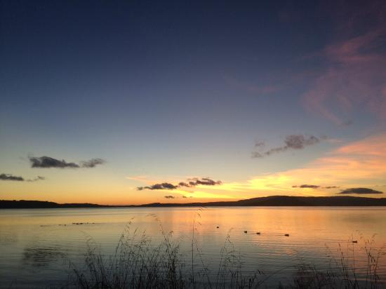 "Lakefront Resort Rotorua: Dawn from ""Jack & Di's"""