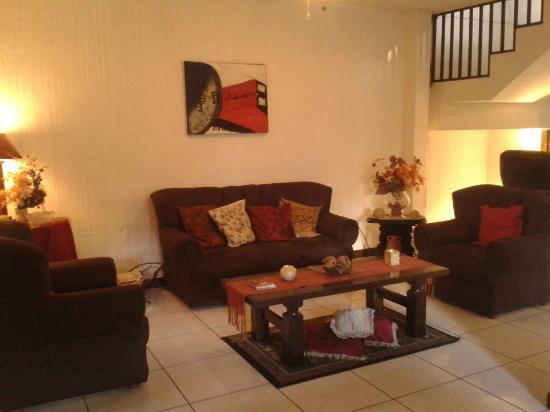 Alojamiento El Salvador Guest House