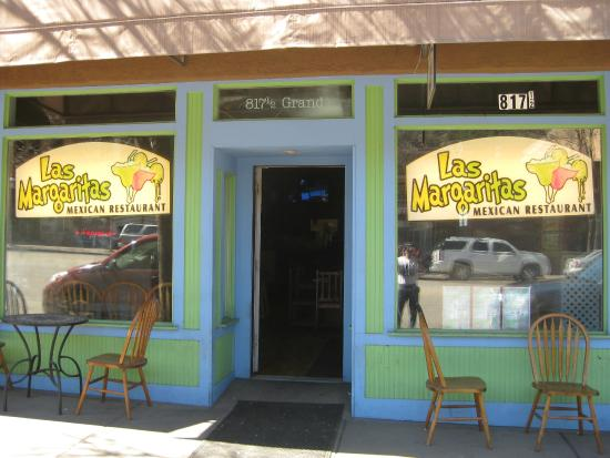 Las Margaritas: street view of restaurant