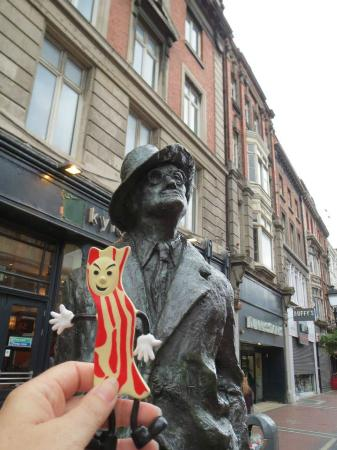 James Joyce Statue: Mr. Bacon meets James Joyce 2014