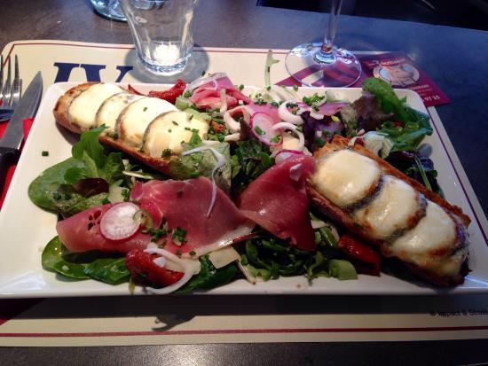 CAFE LES TROIS ECRITOIRES: Salade de chèvre chauds un délice !