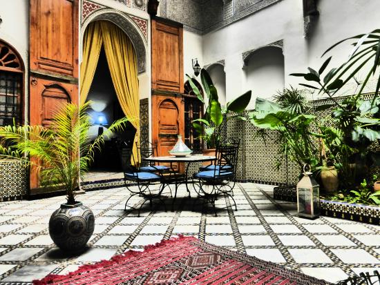 Riad Laayoun: Grand patio