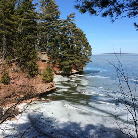 Fo'c'sle Inn : Hiking outside Bayfield