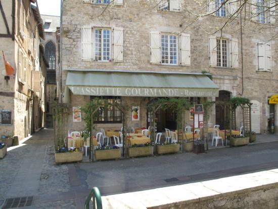 fa ade du restaurant avec la terrasse picture of l. Black Bedroom Furniture Sets. Home Design Ideas