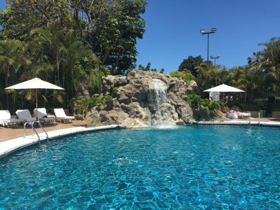 Hotel Botanico U0026 The Oriental Spa Garden: Schöner Wasserfall Sorgt Für  Entspannung Am Spa Pool