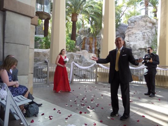 Mandalay Bay Wedding Chapels: Please rise for the bride