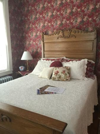 Rocky Springs Bed & Breakfast: The Figari Room