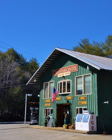 Chestertown, Estado de Nueva York: The Crossroads Country Store, Outdoors Shop, and Deli