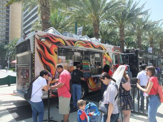 Chef Joe Youkhan's Tasting Spoon: The Truck on Location at Anaheim Convention Center