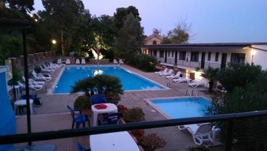 Blue Beach Villagio Turistico: Le piscine
