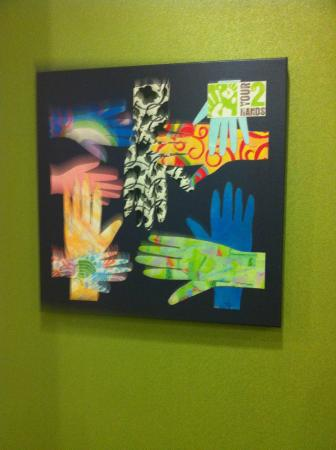 Home2 Suites by Hilton Huntsville / Research Park Area : poster on wall