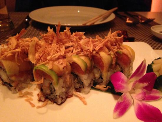 Andrea's : Tempura roll with spicy tuna